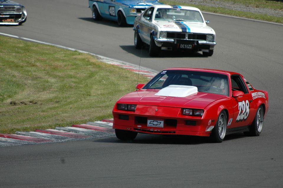 Name:  Cars #95 Monaro Team Cambridge 3 chasing Z28 - John McKechnie Digby Paape photo .jpg Views: 351 Size:  75.4 KB