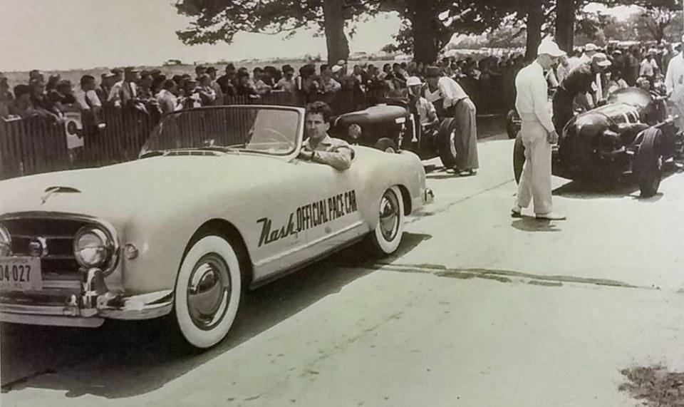 Name:  AH 100 #176 Nash Healey Pace Car Indy 1952 New York Reg at a Race Meeting 1952 .jpg Views: 206 Size:  101.5 KB