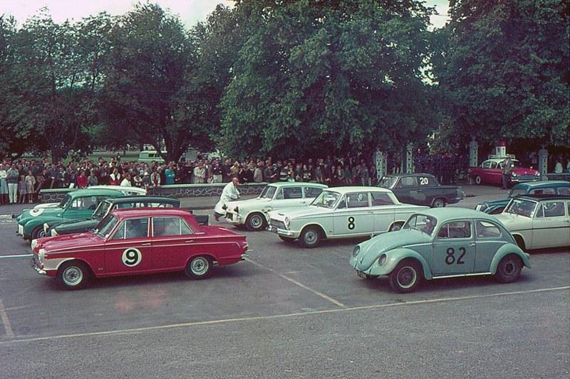 Name:  Motor Racing Waimate #22 B 1965 Saloon car field the rest K Brown Ford 10 spl Kelvin Brown  (800.jpg Views: 182 Size:  177.6 KB