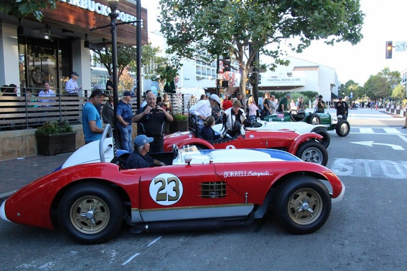 Name:  Monterey 2019 #33 Specials Sports Cars  in town pre-race Terry Cowan  (800x533).jpg Views: 419 Size:  160.3 KB