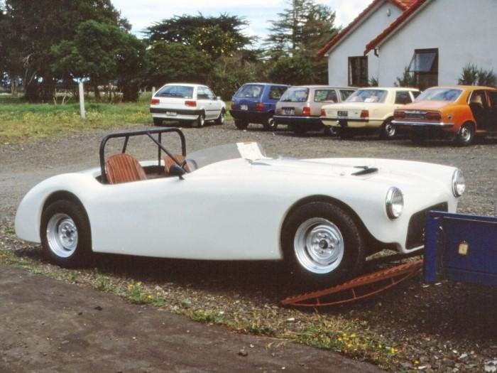 Name:  Bucklers in NZ #171 Hakw Jarvie bodied car Ardmore 1989 Ray Green .jpg Views: 84 Size:  101.6 KB