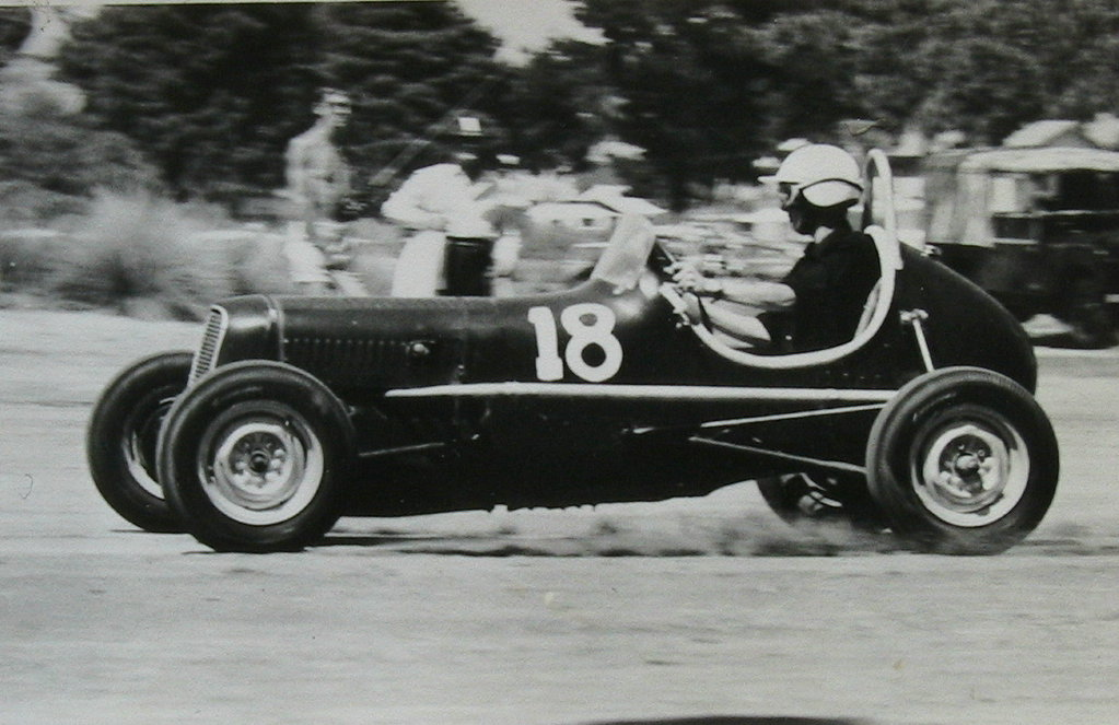 Name:  Jim Bennett Furi Cars #68 Ford 10 Midget 5  Nelson Dec 64 Jim Jim Bennett .jpg