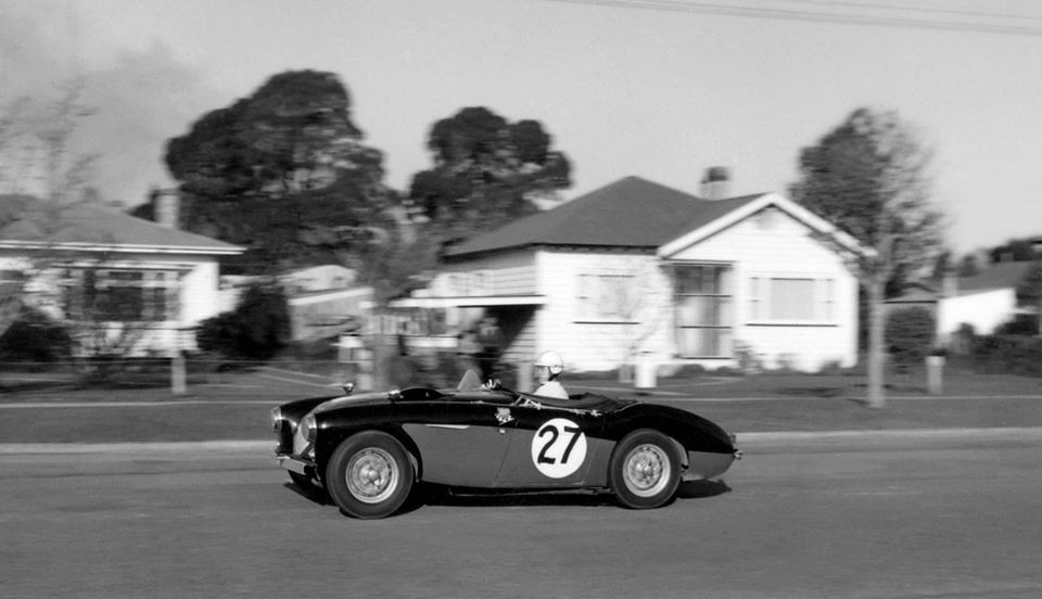 Name:  Motor Racing Matamata #44 1964 27 AH 100 R Smith Ross Cammick Scott-Given archives.jpg Views: 166 Size:  58.9 KB
