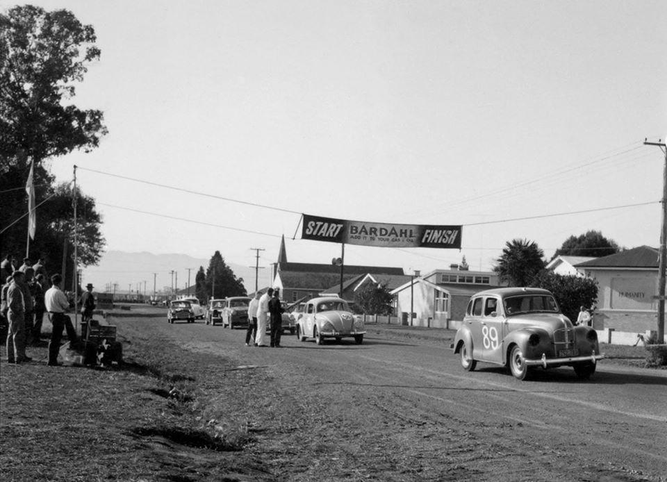 Name:  Motor Racing Matamata #36 1965 A40 Devon VW others 65 plates start Ross Cammick Scott-Given arch.jpg Views: 165 Size:  91.8 KB