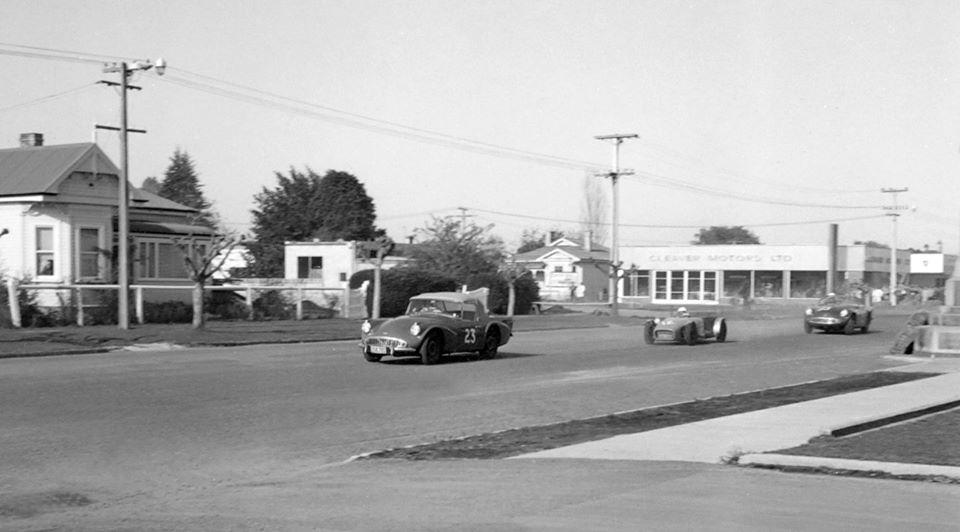 Name:  Motor Racing Matamata #42 1964 Sports Cars Daimler others Ross Cammick Scott-Given archives .jpg Views: 96 Size:  58.2 KB