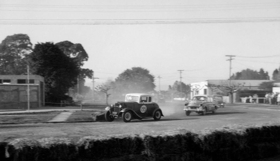Name:  Motor Racing Matamata #52 1964 Ford Coupe V8 Souness Humber 80 Zephyr  Fiat Ross Cammick Scott-G.jpg Views: 93 Size:  56.2 KB