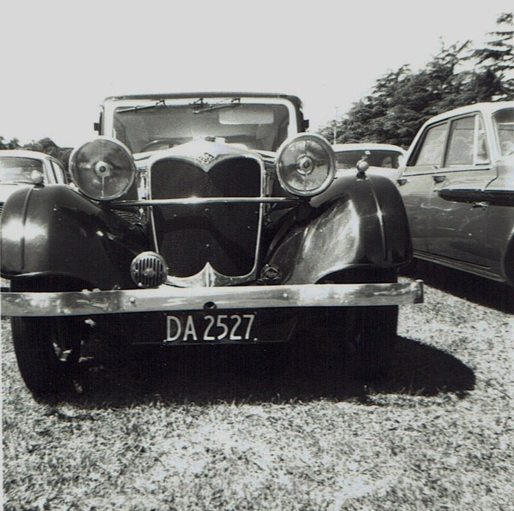 Name:  Vintage Rally 1968 Western Spings #10 Riley Alpine 1 CCI19012016_0004 (750x746).jpg Views: 1671 Size:  165.7 KB