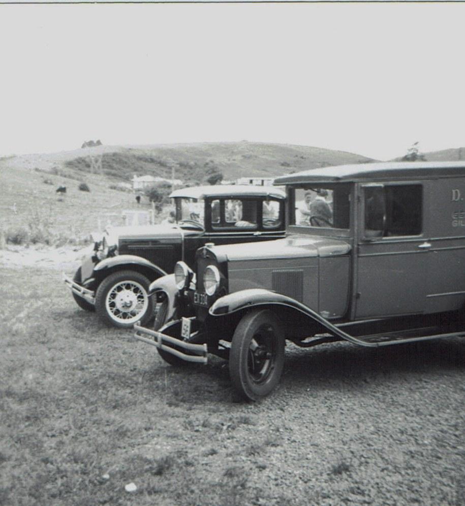 Name:  Hunua Hundred 1971 #28 Model A Tudor and Van CCI07102019_0002 (2).jpg Views: 308 Size:  171.9 KB