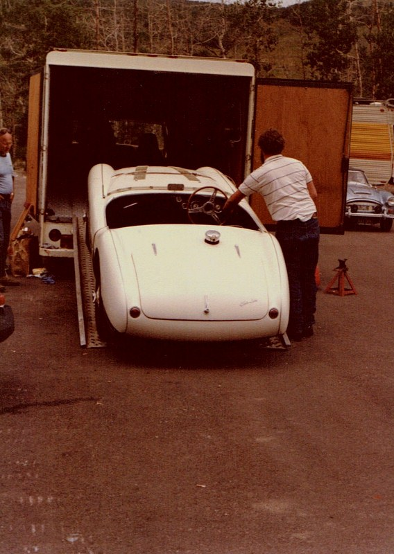 Name:  AH 100S #789 AHS3707 Fred Cohen unloading Snowmass 1982 R Dowding  (568x800).jpg Views: 55 Size:  135.4 KB