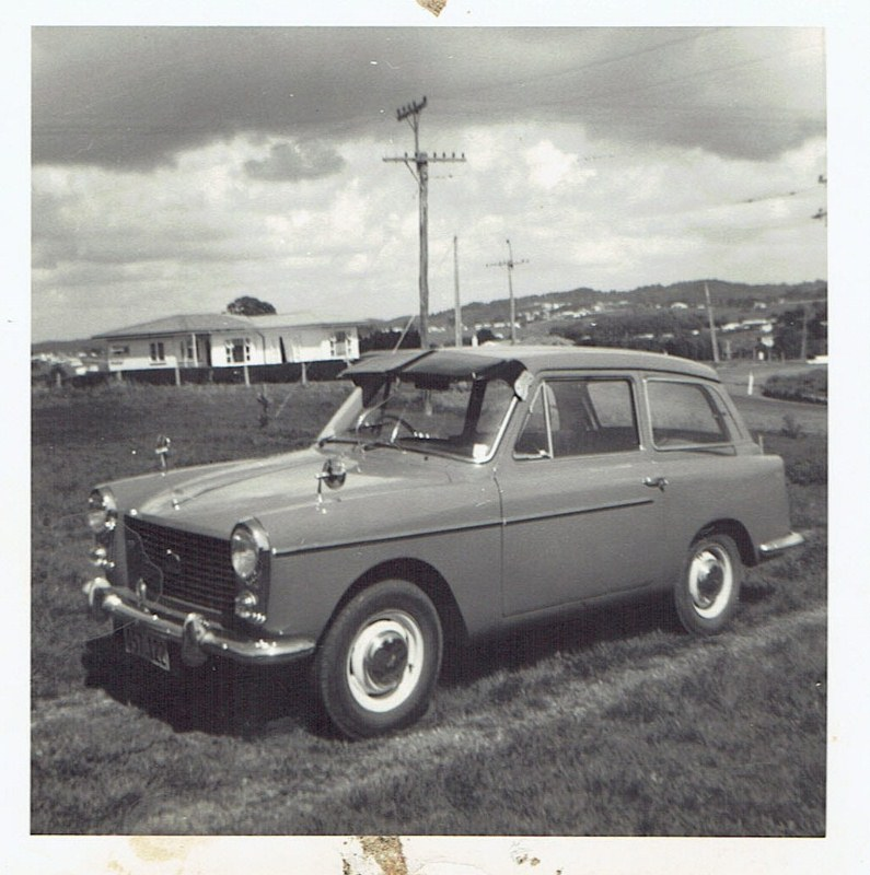 Name:  Cars by Roger Dowding #2 My Aunts 1960 Austin A40 Mk1, at Manly NZ 1962 CCI04022016_0004 (795x80.jpg