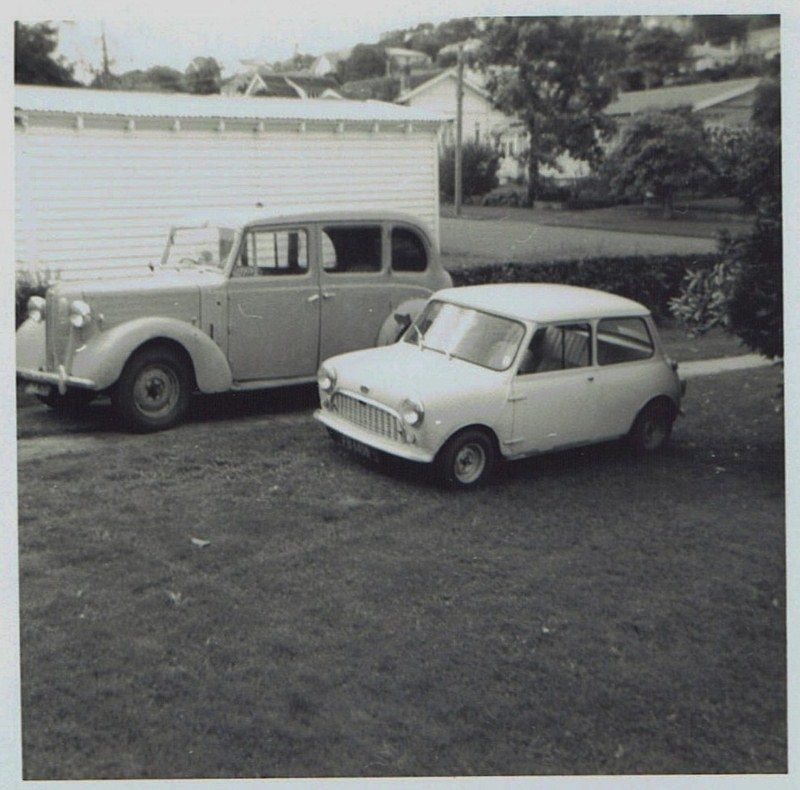 Name:  Cars by Roger Dowding #16 1950 Austin FL1 Hire Car Mt Albert 5 May 1973 CCI04022016_0007 (800x79.jpg