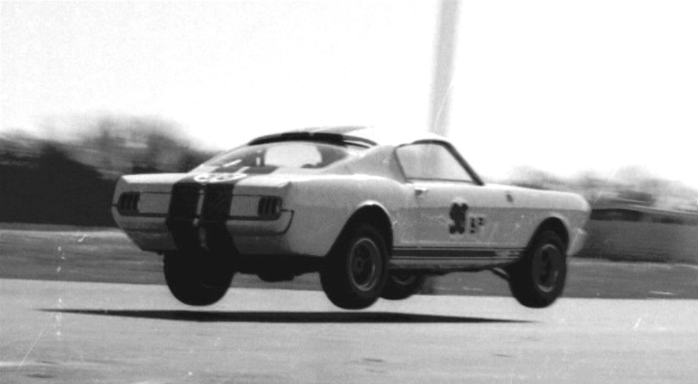 Name:  Shelby Mustang GT 350...jpg Views: 662 Size:  83.4 KB