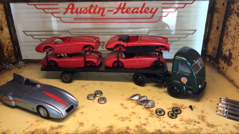 Name:  Models #265 AH 100's and transporter Wilbert Peters .jpg Views: 278 Size:  128.5 KB