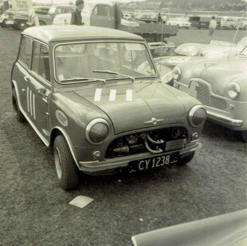 Name:  Pukekohe April 1966 #5, Morris Cooper CCI12102015_0002 (800x795).jpg Views: 4101 Size:  165.9 KB