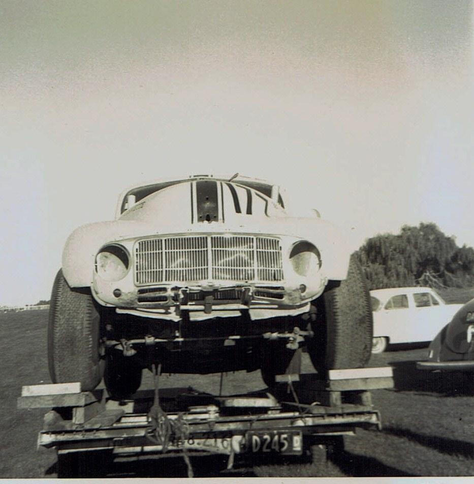 Name:  Pukekohe May 1966 #16 Morrari on trailer v2, CCI13102015_0005 (2).jpg Views: 3711 Size:  168.5 KB