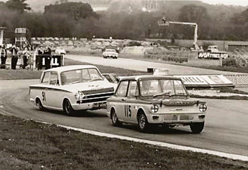 Name:  Goodwood. 1966. Jim Clark V Nick Brittan.jpg Views: 661 Size:  78.6 KB