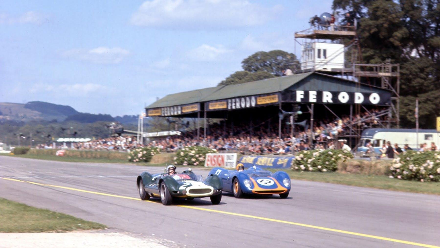 Name:  Goodwood. 1964. Bruce McLaren.jpg Views: 583 Size:  147.3 KB