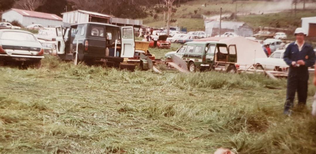 Name:  NSCC 1983 #114 Hillclimb Cosseys 83 service park Wright photo Barry Sexton  .jpg Views: 27 Size:  100.6 KB