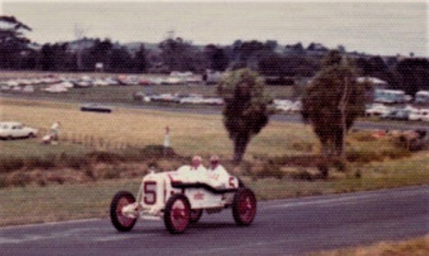Name:  Len Southward and Robert Muldoon. Jan. 1976. NZGP meet at Pukekohe.jpg