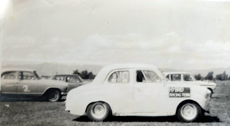 Name:  Motor Racing Kerepehi #006 Kerepehi 1966 Mike Miers - Hamilton Standard 10 Cortina 1500 running .jpg Views: 44 Size:  62.7 KB
