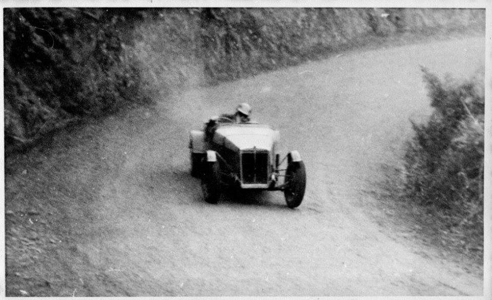 Name:  NSCC 1954 #234 Don's car Singford Special 1st Class F 1101-1500cc North Island Hill Climb Champi.jpg Views: 33 Size:  104.2 KB