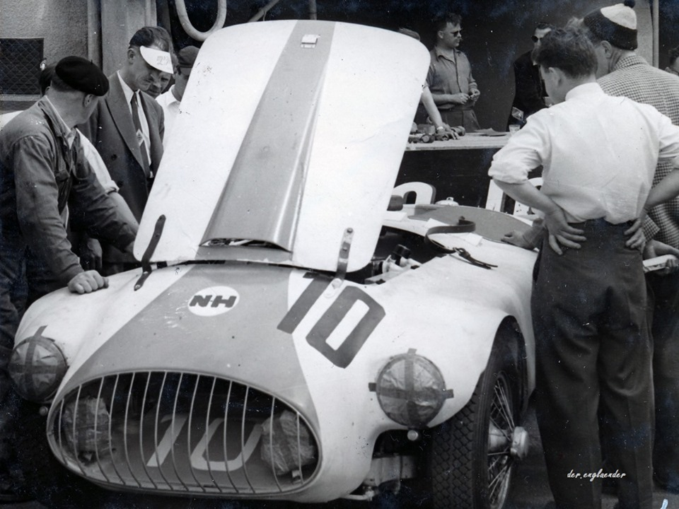 Name:  AH 100 #194 Nash Healey race #10 1953 Le Mans race K Stelk archives .jpg Views: 491 Size:  153.1 KB