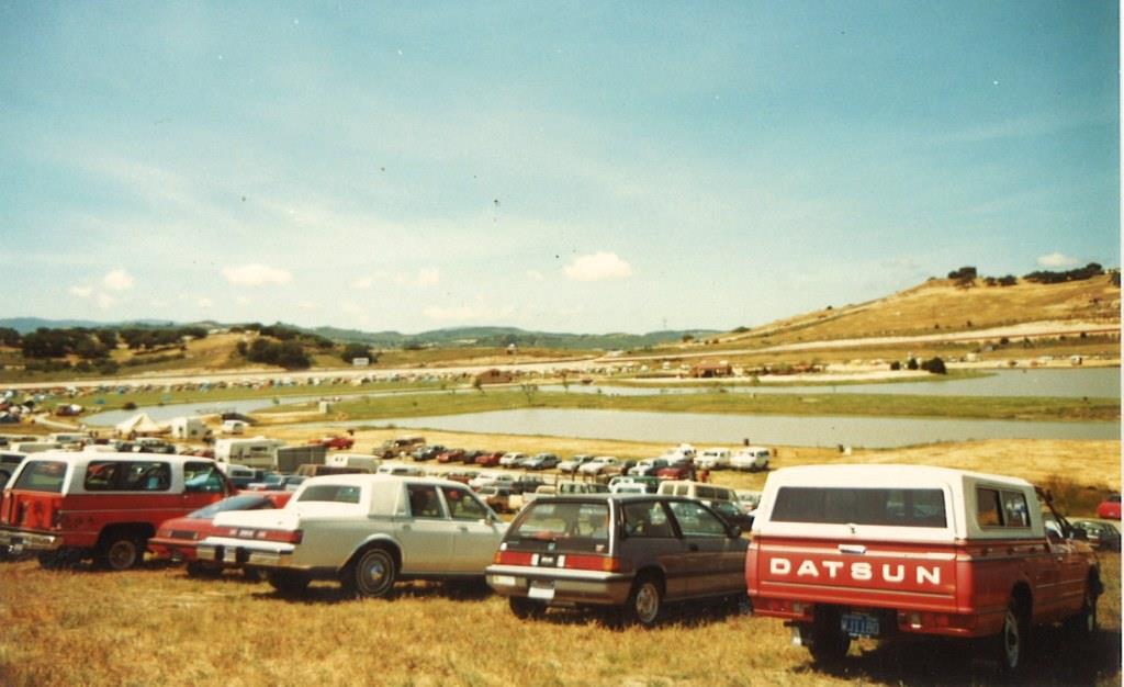 Name:  Laguna Seca track in 1987 towards turn 1 & 2.jpg Views: 1059 Size:  79.7 KB