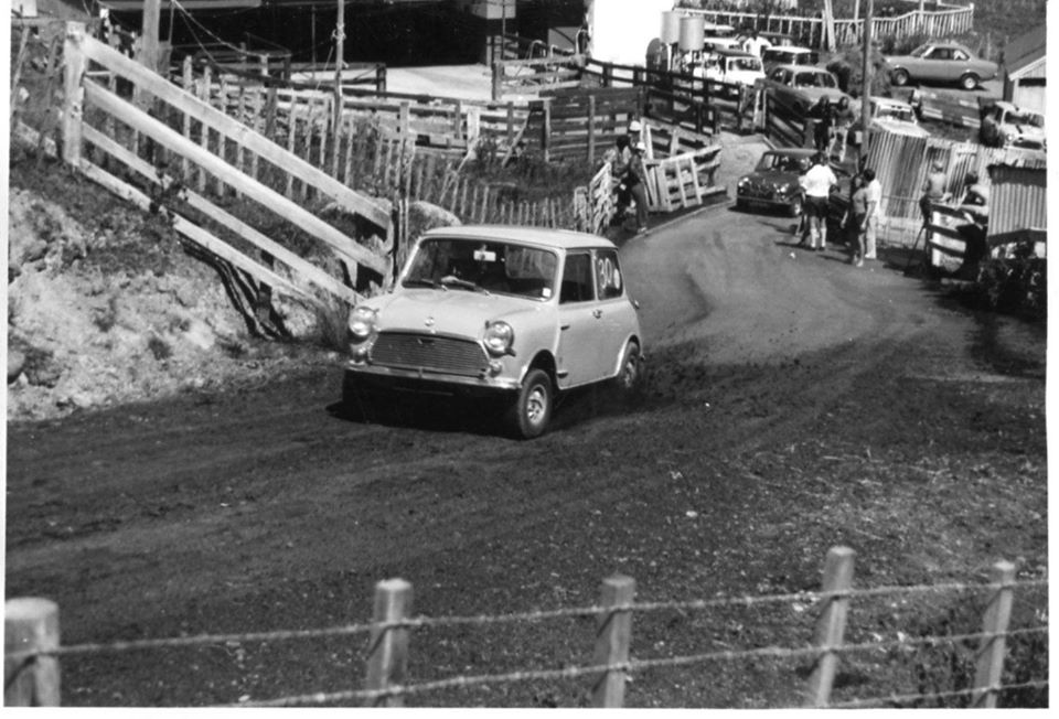 Name:  NSCC #192 Peter Levet Cosseys the start March 1974 S Hamilton behind M Fistonic archives .jpg Views: 106 Size:  109.6 KB