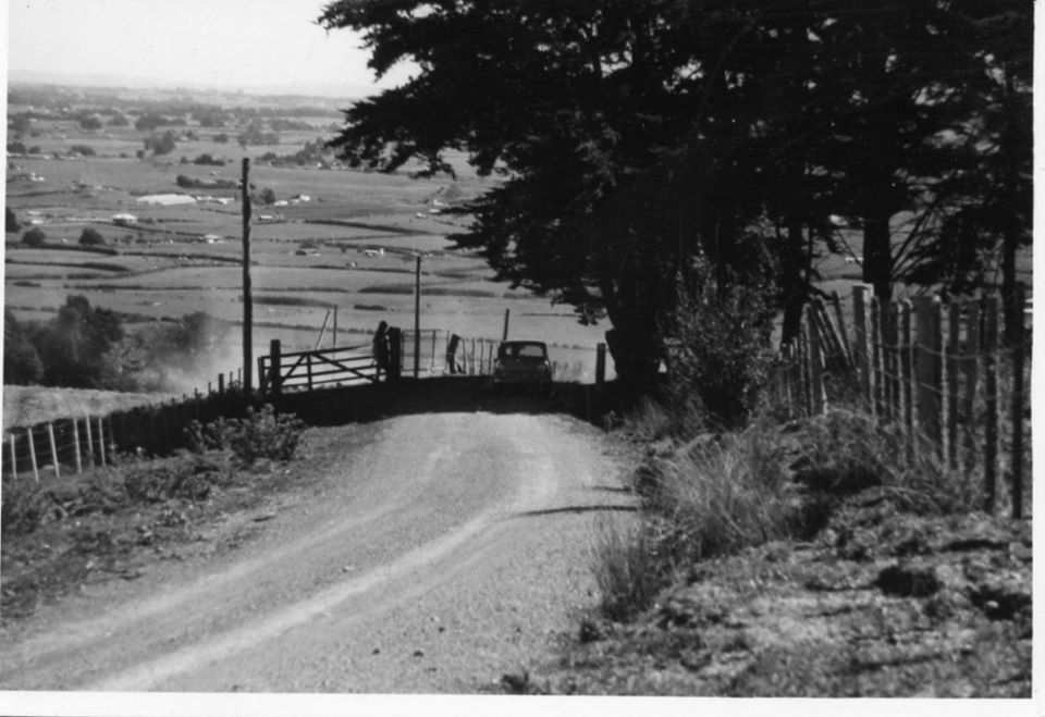 Name:  NSCC #196 Peter Levet Cosseys top gate, near finish March 1974 M Fistonic archives .jpg Views: 103 Size:  88.1 KB