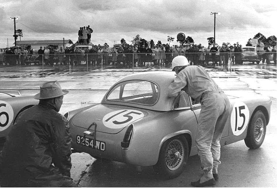 Name:  AH Sprite #64 Sebring 1962 Moss Le Mans Car #15 J Whitehouse Bird archives .jpg Views: 116 Size:  80.1 KB