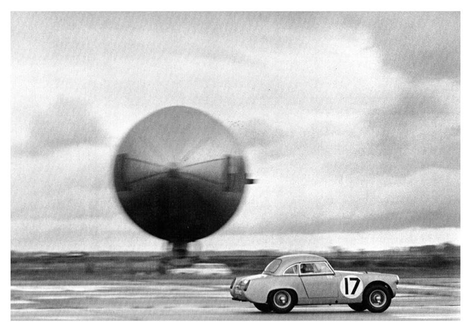Name:  AH Sprite #80 Sebring 1962 Innes Ireland blasts past the Goodyear blimp J W-Bird archives .jpg Views: 46 Size:  79.3 KB
