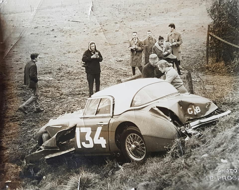 Name:  AH 3000 #414 Pat Moss - Carlsson crash 1960's works Rally Car Sal Paul BMC archives .jpg Views: 155 Size:  120.8 KB