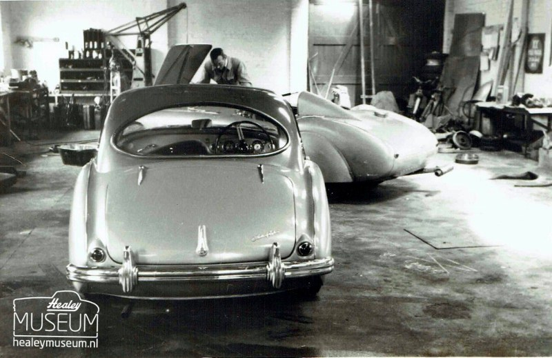 Name:  AH 100 #402 B The 100 coupe OAC1 and the endurance car Healey Museum  (800x519) (2).jpg Views: 48 Size:  119.1 KB