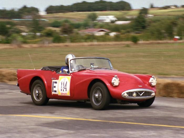 Name:  187_0222_15 Daimler.jpg Views: 196 Size:  91.7 KB