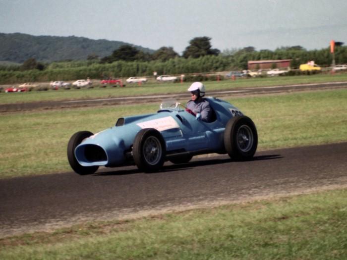 Name:  189_0129_536 Ferrari.jpg Views: 70 Size:  91.1 KB