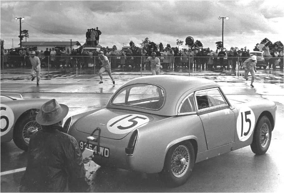 Name:  AH Sprite #63 Sebring 1962 Moss Le Mans running J Whitehouse Bird archives .jpg Views: 156 Size:  72.2 KB