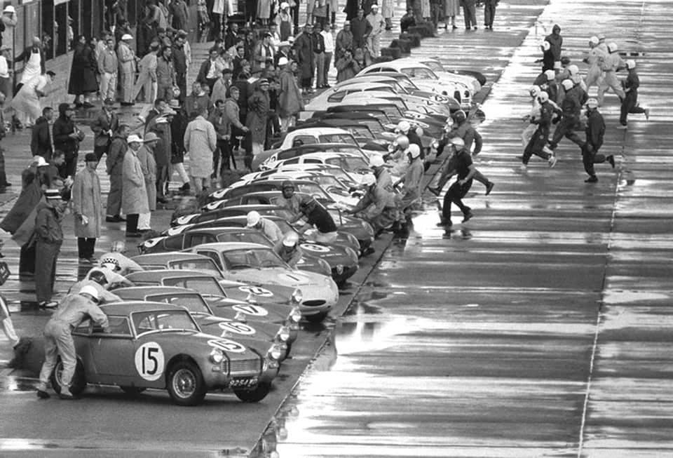 Name:  AH Sprite #65 Sebring 1962 Moss McQueen Ireland Rodriguez fullgrid J Whitehouse Bird archives .jpg Views: 160 Size:  97.5 KB