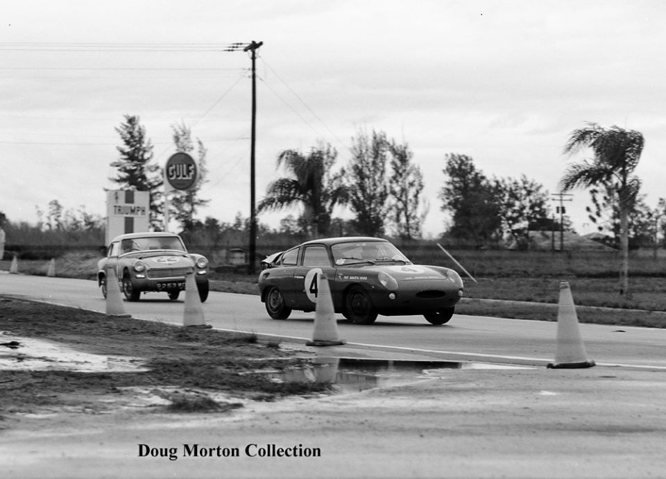 Name:  AH Sprite #73 Sebring 1962 3 shots of the #22 chasing the #4 Abarth 3 Esses Doug Morton.jpg Views: 83 Size:  85.2 KB