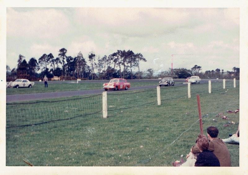 Name:  Pukekohe 1967 Gold Leaf 3 Hour Wills 6 Hour #2, CCI12102015_0001 (800x565).jpg Views: 3766 Size:  128.8 KB