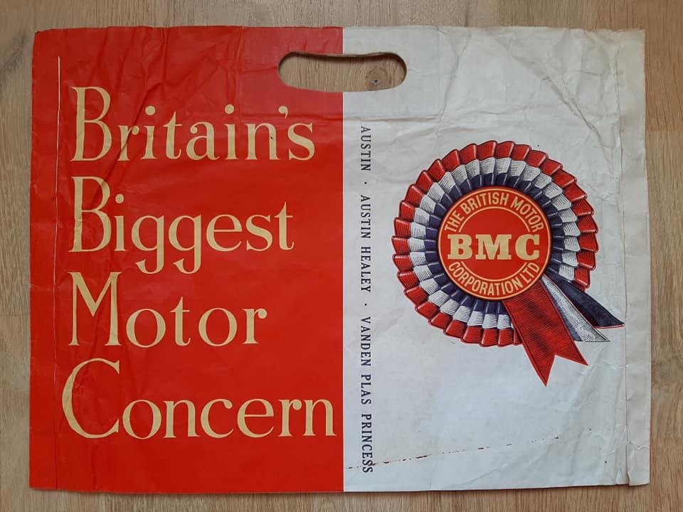 Name:  Logo #23 BMC Bag B BMC Austin A Healey V de Plas .jpg Views: 153 Size:  71.5 KB