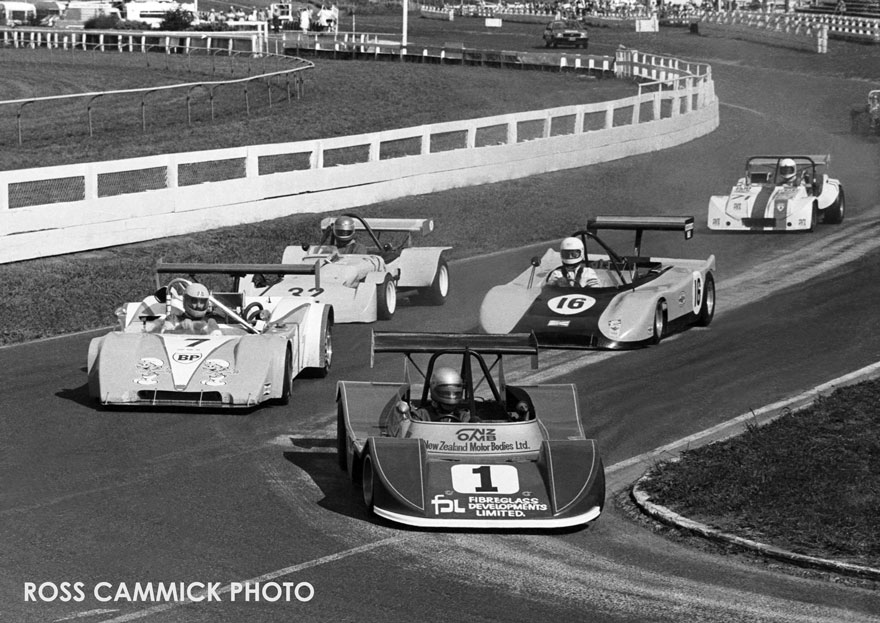 Name:  Sportscars-start-Pukekohe81.jpg Views: 837 Size:  139.2 KB