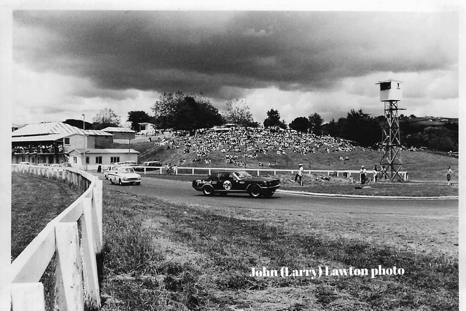 Name:  Pukekohe 1965 #66 Segedin leads Jepson elbow start Group 2  race ACC Dec 65 J L Lawton .jpg Views: 145 Size:  93.5 KB