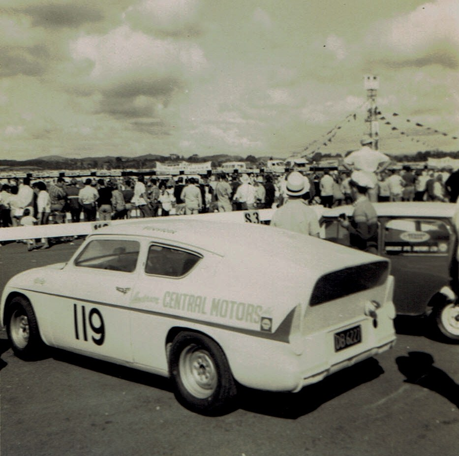 Name:  Pukekohe Jan 1968 GP #13, Lotus Anglia Frank Radisich v2, CCI17102015 (2).jpg Views: 1601 Size:  168.3 KB