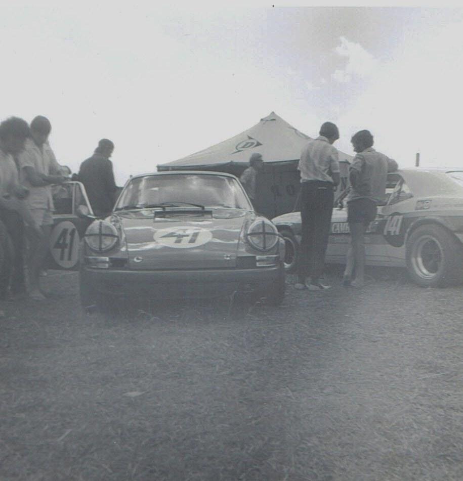 Name:  Pukekohe Jan 1971 GP #5 Porsche 911 Jim Palmer pic #1, v2, CCI18102015_0002 (2).jpg Views: 1415 Size:  124.7 KB