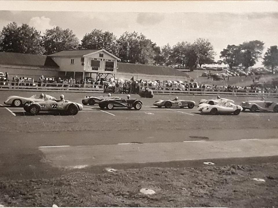Name:  Pukekohe 1966 #13 April 1966 Sports Car Race Start Steve Sharp .jpg Views: 370 Size:  177.6 KB