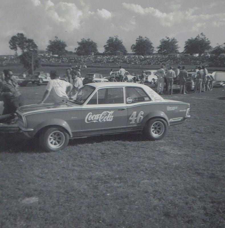 Name:  Pukekohe 1971 #33 Viva GT Alan Boyle GP meeting Roger Dowding .jpg Views: 228 Size:  142.4 KB