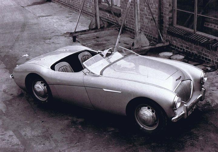 Name:  AH 100 #351 1952 Healey 100 DMH prototype steel wheels AH Historic Pictures.jpg Views: 66 Size:  70.3 KB