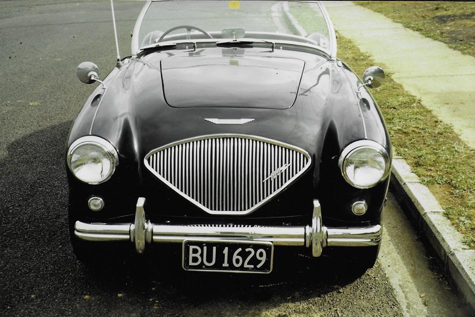 Name:  AH 100 #261 BU1629 - IF4514 1954 100 photo 1966 Colin Heasley family .jpg Views: 55 Size:  178.3 KB