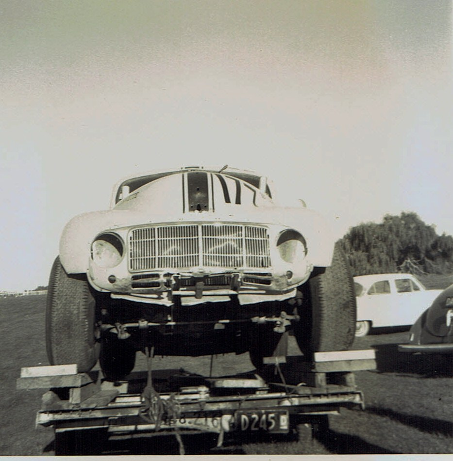 Name:  Pukekohe May 1966 #16 Morrari on trailer v2, CCI13102015_0005 (2).jpg Views: 3518 Size:  168.5 KB