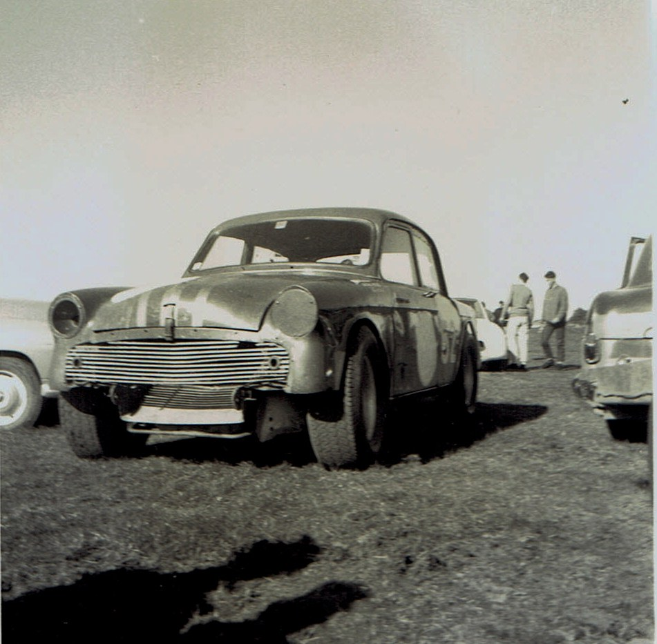 Name:  Pukekohe May 1966 #13, Humber -Jaguar  T Boyle v2, CCI13102015_0001 (2).jpg Views: 4182 Size:  167.8 KB